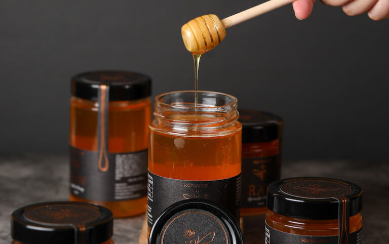 3 Essential tips on how to choose real honey